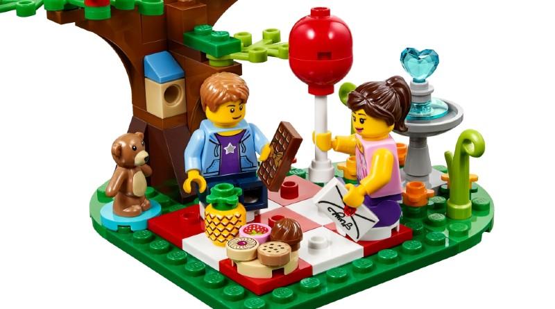 LEGO Valentines Picnic Featured