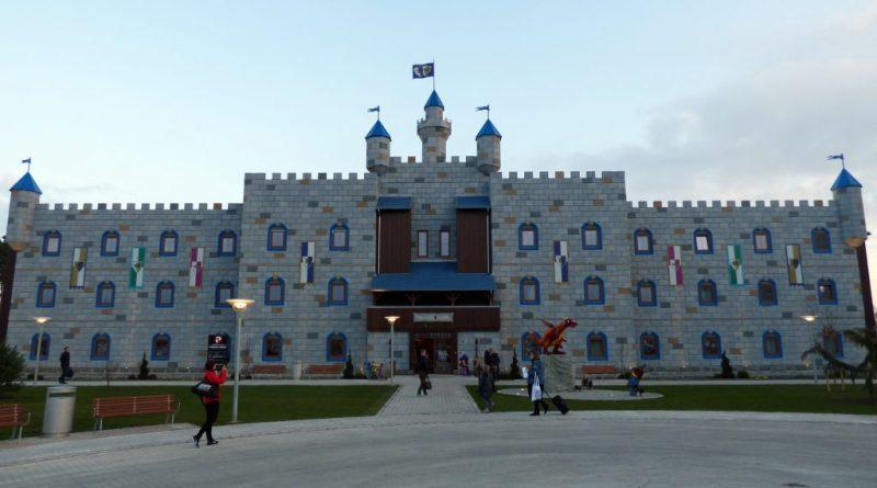 LEGOLAND Billund Castle Hotel featured 800 445