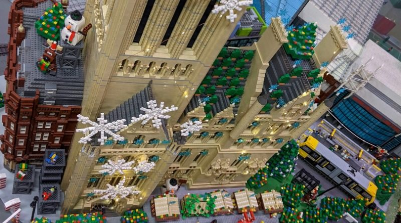 LEGOLAND Discovery Centre Manchester Christmas Lights Featured 800x445