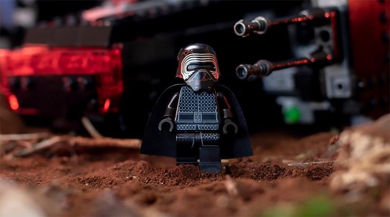 LEGo Star Wars Kylo shuttle featured 800 445