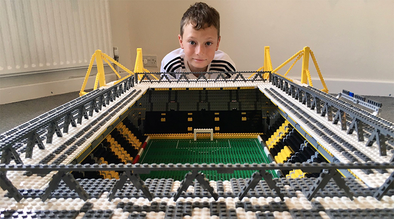 LEGo Football Joe Bryant Featured