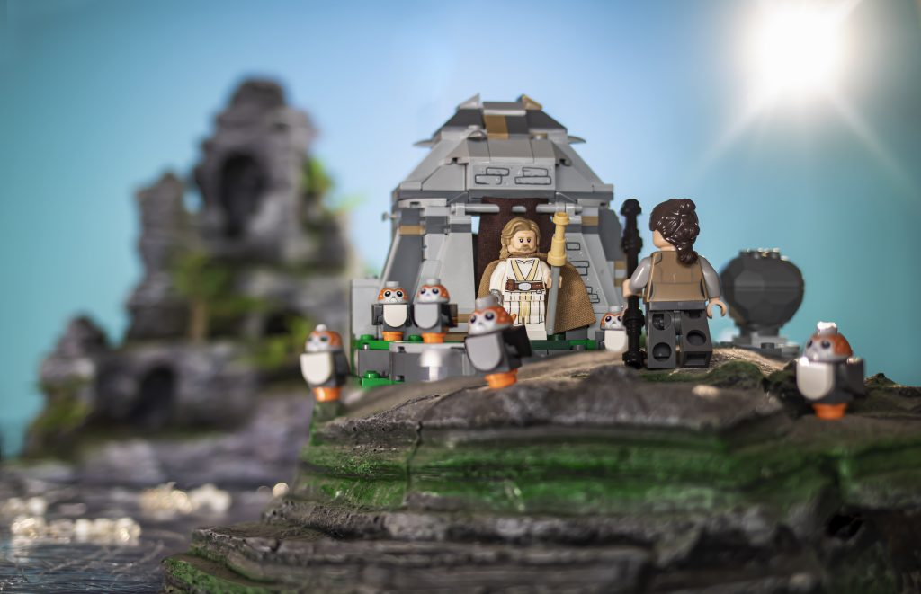 Shooting the LEGO Star Wars galaxy: Ahch-To