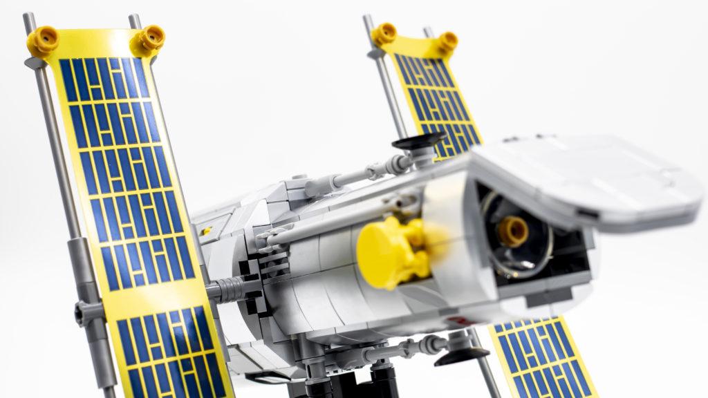 Lego Creator Expert 10283 NASA Space Shuttle Discovery 20