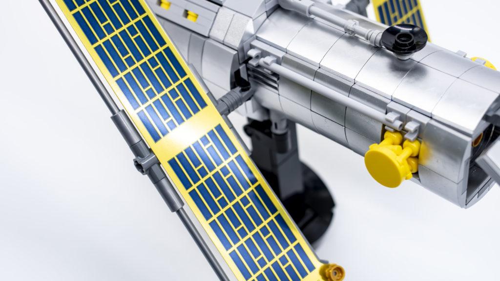 Lego Creator Expert 10283 NASA Space Shuttle Discovery 27