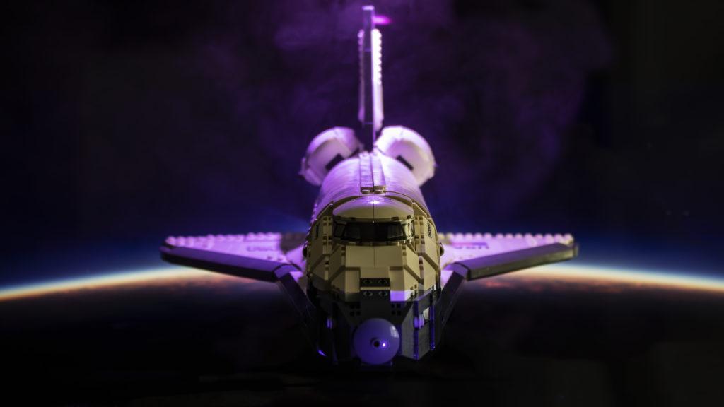 Lego မှ Creator Expert 10283 NASA အာကာသလွန်းပျံယာဉ် Discovery 2 2 featured