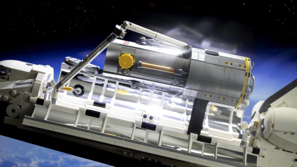 Lego မှ Creator Expert 10283 NASA အာကာသလွန်းပျံယာဉ် Discovery 6 featured