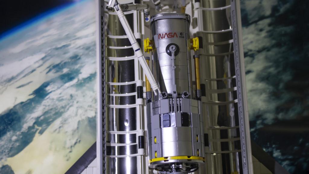 Lego မှ Creator Expert 10283 NASA အာကာသလွန်းပျံယာဉ် Discovery 7 featured