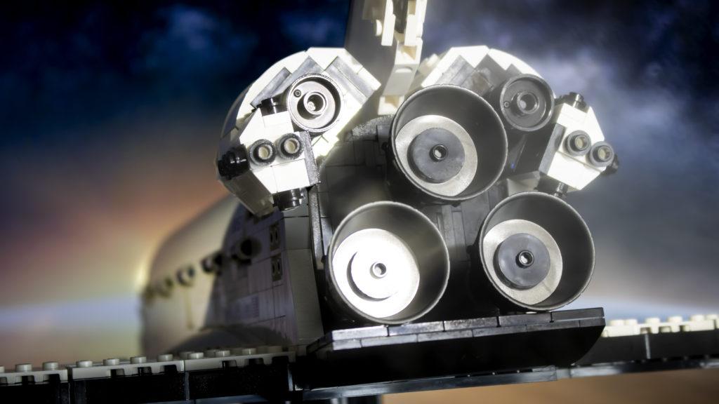 Lego မှ Creator Expert 10283 NASA အာကာသလွန်းပျံယာဉ် Discovery 8 featured