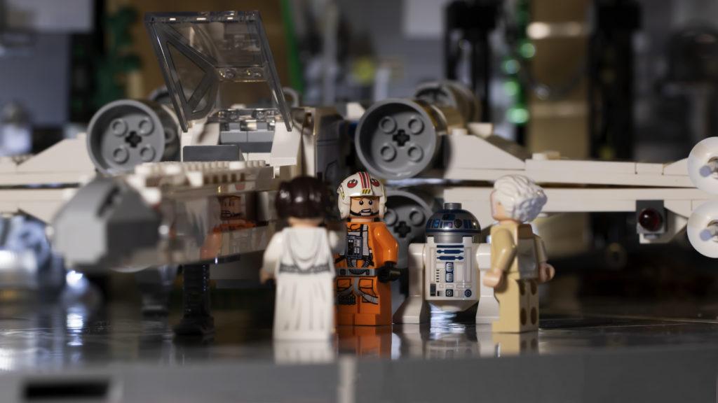 Luke Talking To Leia And General CU