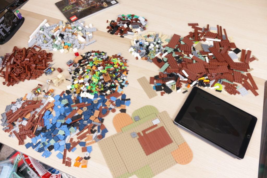 Rebuilding LEGO Ideas 21318 Medieval Blacksmith with Rebrickable 1
