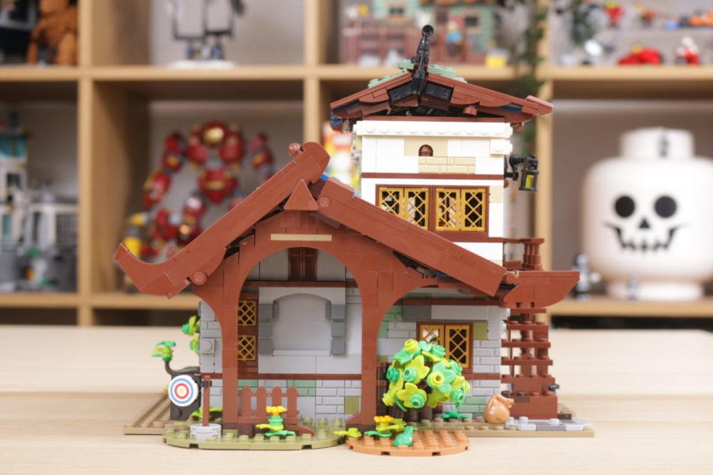 Rebuilding LEGO Ideas 21318 Medieval Blacksmith with Rebrickable 14