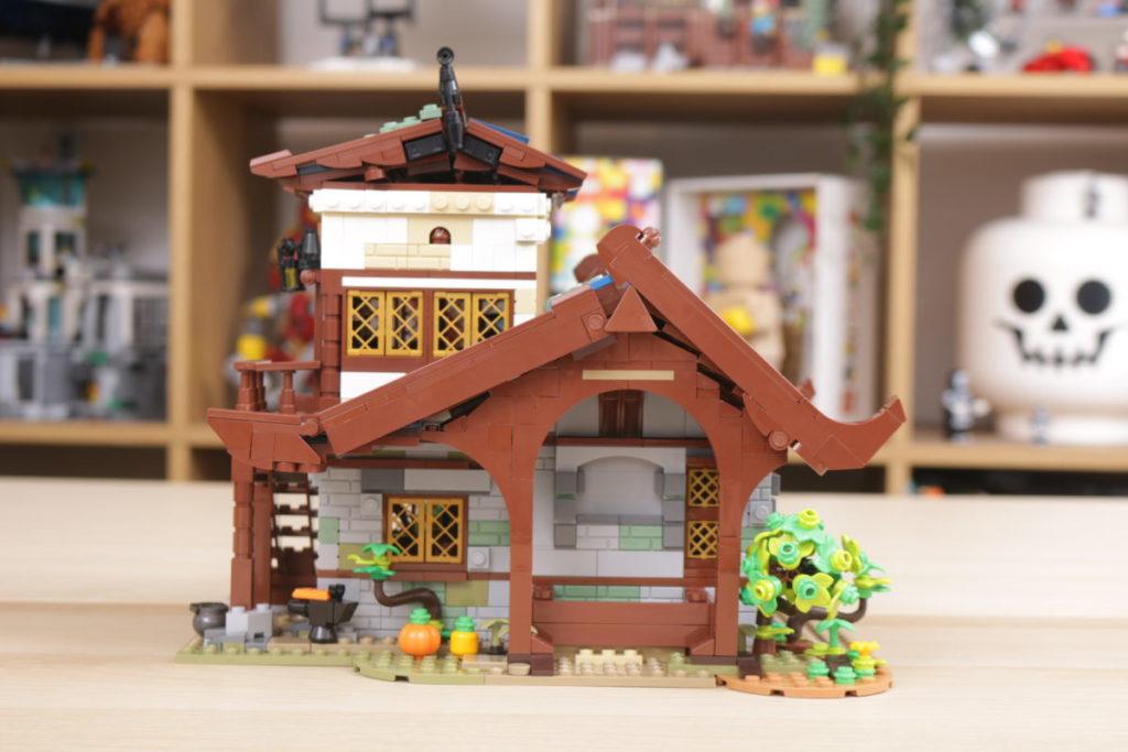 Rebuilding LEGO Ideas 21318 Medieval Blacksmith with Rebrickable 18