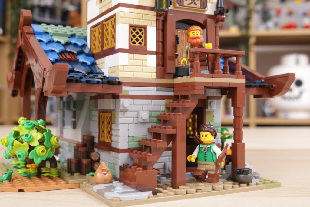 Rebuilding LEGO Ideas 21318 Medieval Blacksmith with Rebrickable 22