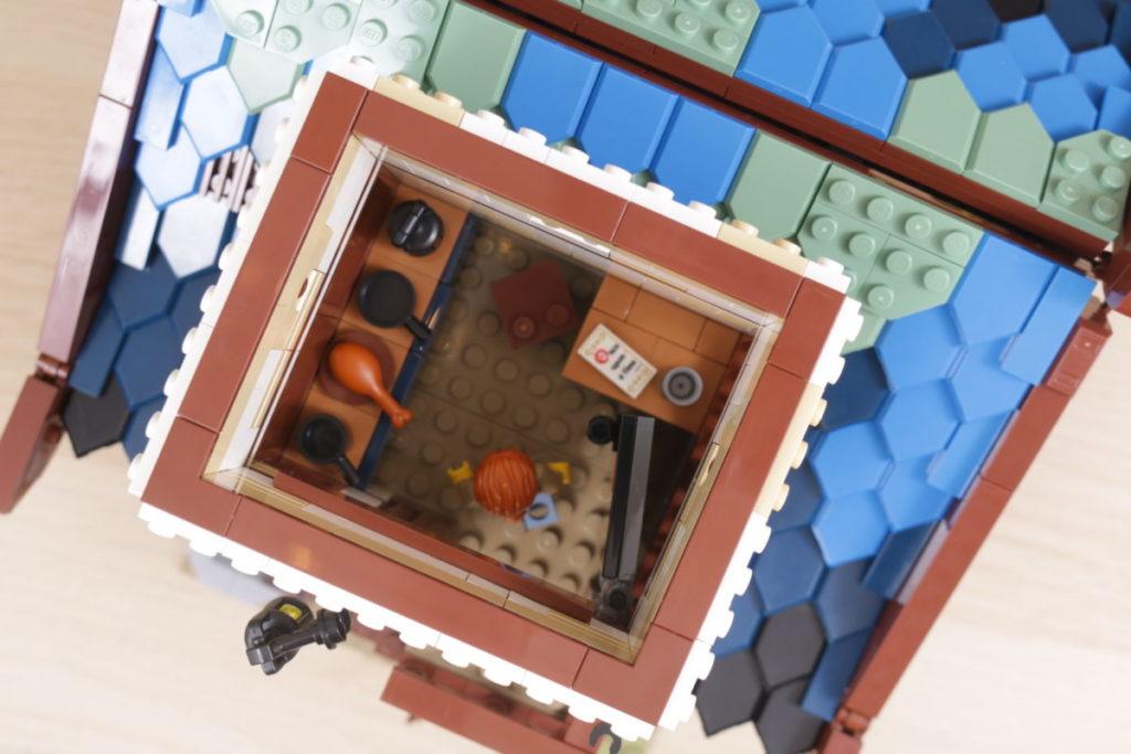 Rebuilding LEGO Ideas 21318 Medieval Blacksmith with Rebrickable 23