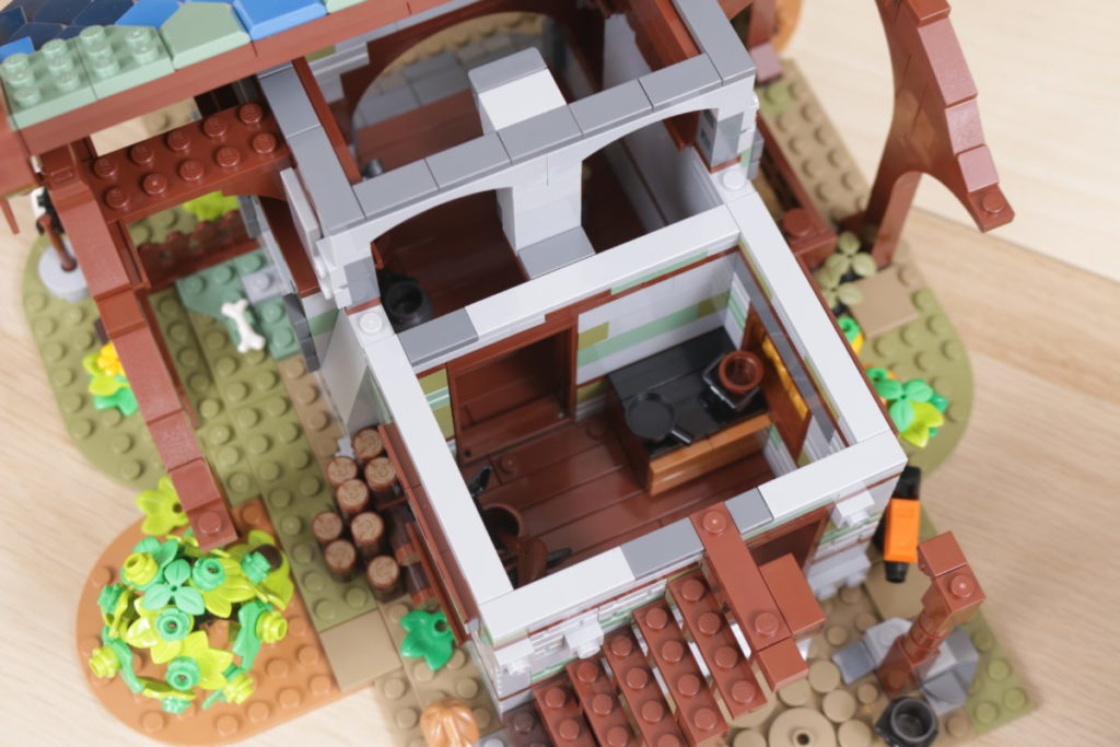 Rebuilding LEGO Ideas 21318 Medieval Blacksmith with Rebrickable 35