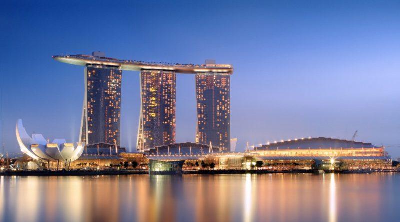 Singapore Skyline marina bay sands hotel wikimedia commons featured