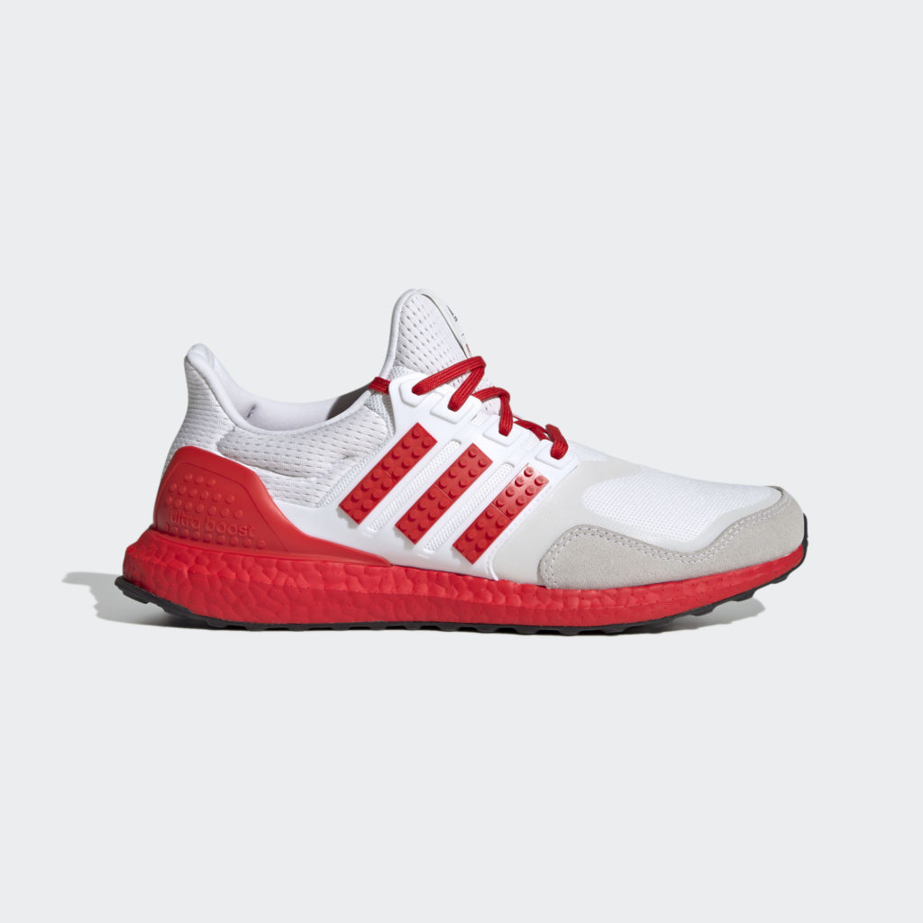ULTRABOOST DNA X LEGO COLORS SHOES red