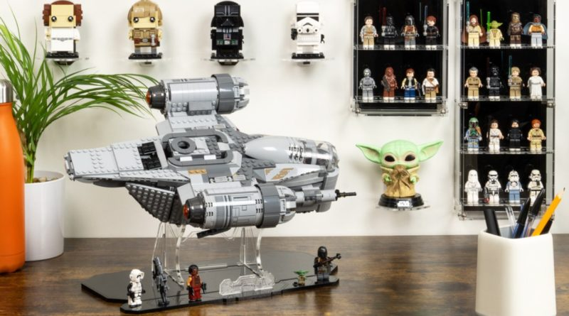 Wicked Brick LEGO Star Wars minifigure mount display featured