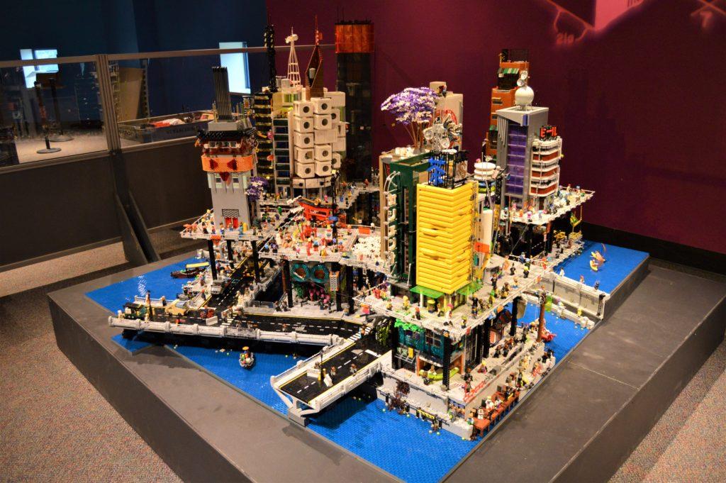 Lego Cyberpunk City 1