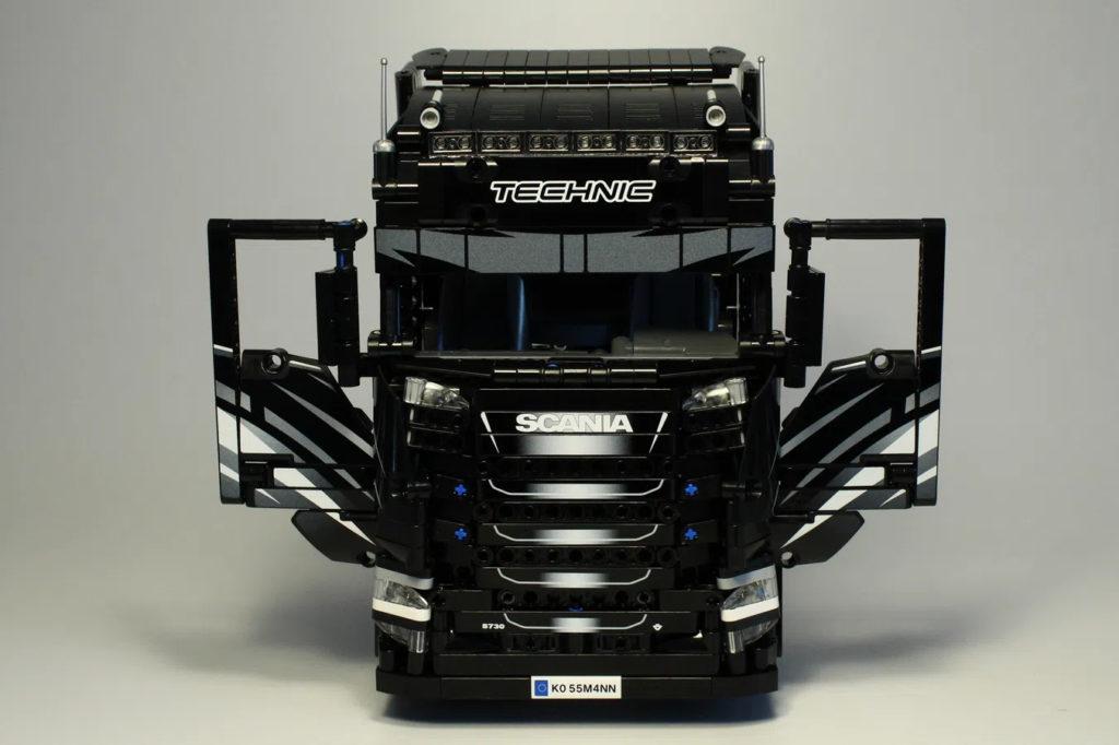 Lego Scania Truck 1