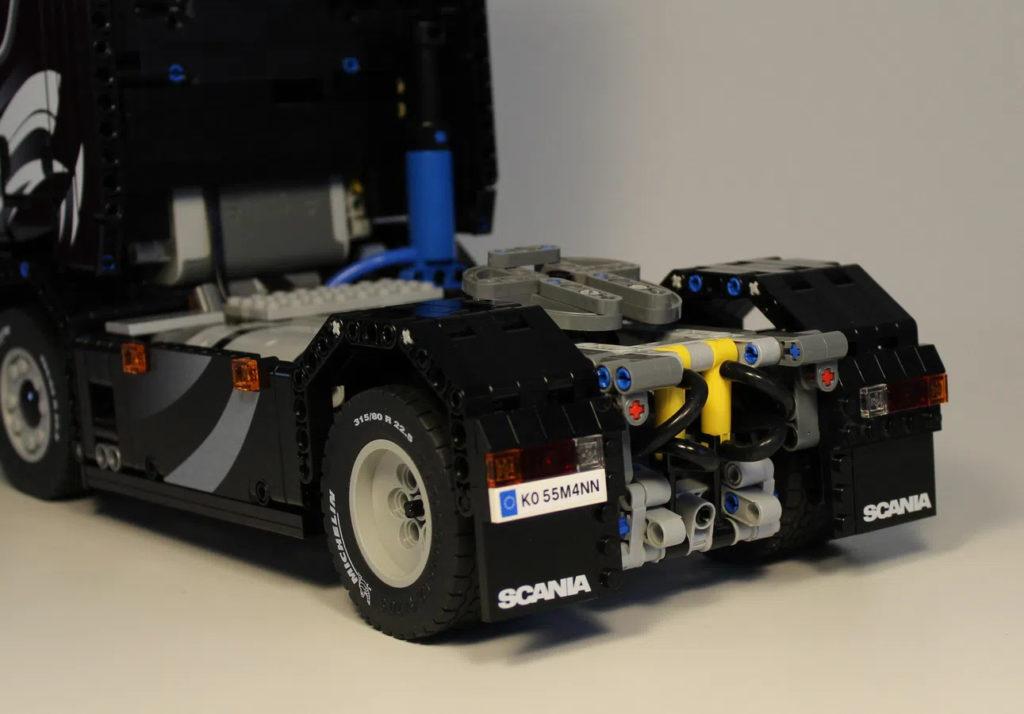 Lego Scania Truck 4