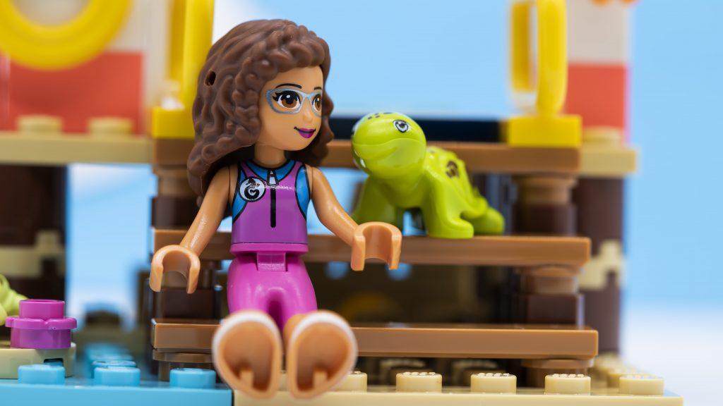 Olivia And Turtle 1024x576