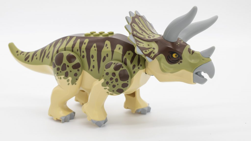 Triceratops Posed 1024x576